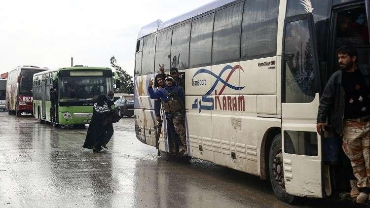 مركز المصالحة الروسي: إخراج 8 آلاف من المسلحين مع عائلاتهم من منطقة شمالي حمص