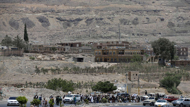 فرار عشرات الآلاف من مدينة الحديدة غربي اليمن بسبب احتدام المعارك