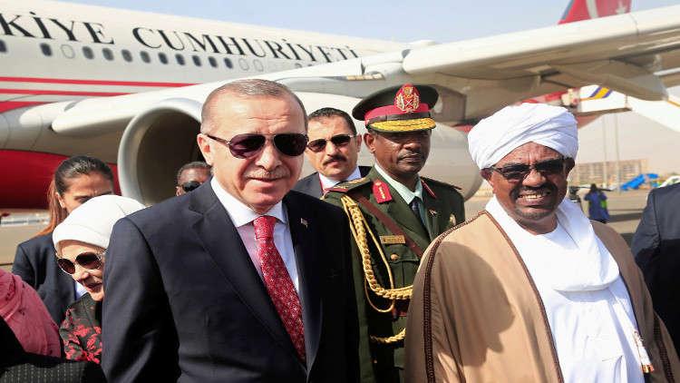 أردوغان يدعو البشير لحضور القمة الإسلامية الطارئة