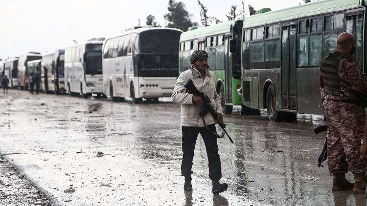 مركز المصالحة: خروج أكثر من 35 ألفا من المسلحين مع عائلاتهم من حمص