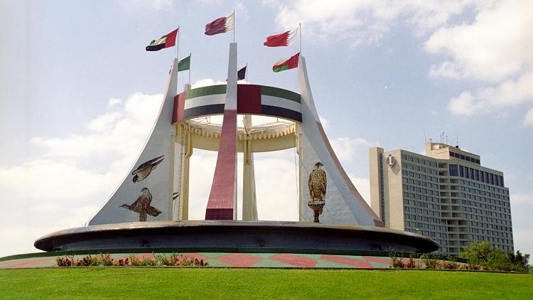 لماذا بنى مسيحي مسجدا في الإمارات؟