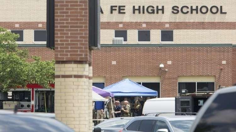شرطة تكساس تدافع عن طريقة تعاملها مع مطلق النار في المدرسة