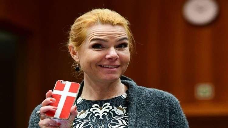 وزيرة دنماركية للمسلمين: صيامكم خطر علينا 5b02b94a95a5978a0f8b