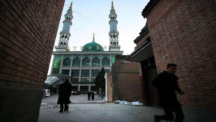 المرجعيات المسلمة في الصين تطالب المساجد برفع العلم الوطني