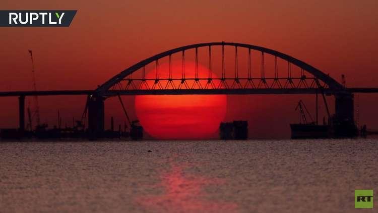 فيديو يظهر روعة جسر القرم