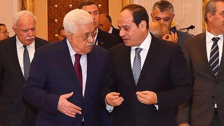 عباس يبحث من المستشفى التطورات الفلسطينية مع السيسي