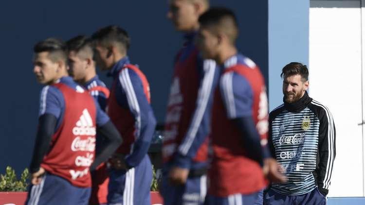 مونديال روسيا.. ميسي يلتحق بتدريبات المنتخب الأرجنتيني
