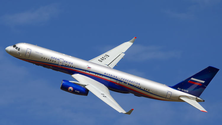 روسيا والولايات المتحدة تطيران أبعد