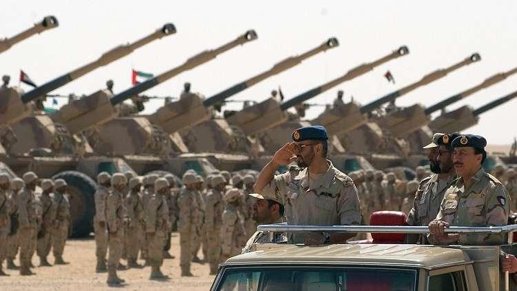 القوات الإماراتية تدمر زورقين للحوثيين في البحر الأحمر