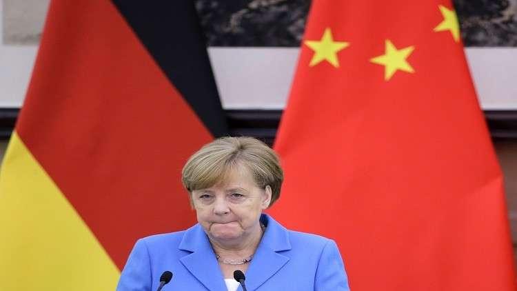 ميركل: بعض الشركات الأوروبية قد تغادر إيران بسبب العقوبات