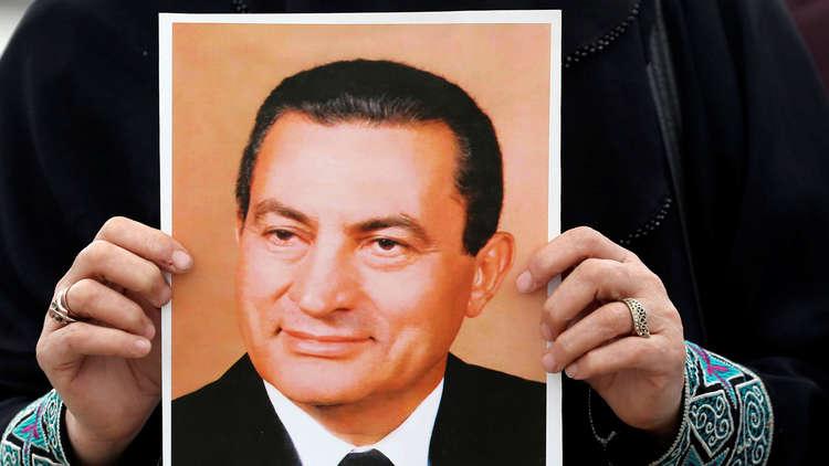 لطيفة التونسية توجه رسالة لحسني مبارك