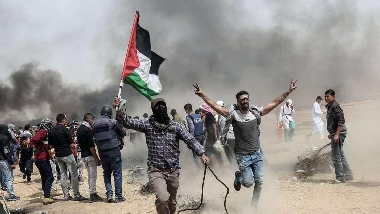 إصابة عشرات الفلسطينيين بالرصاص والغاز المسيل للدموع شرقي قطاع غزة