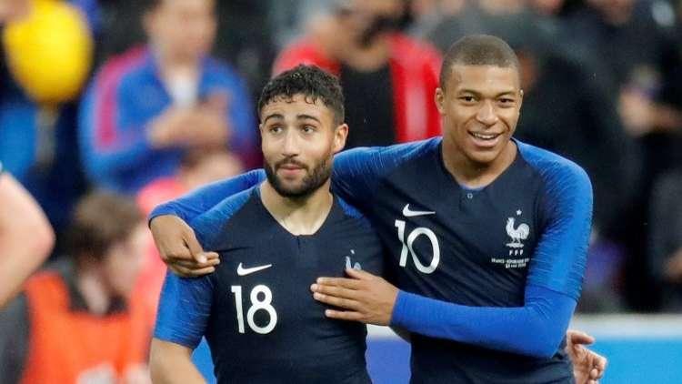 فرنسا تكرم إيرلندا بثنائية