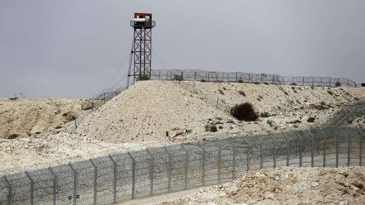 مصر تسلم أستراليا 3 حفن من تراب أرضها