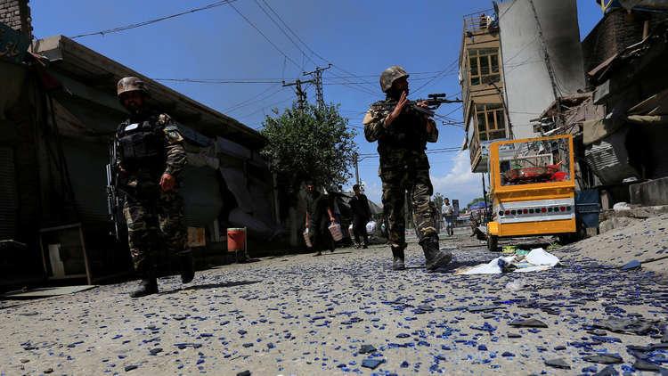 مقتل 3 من الشرطة الأفغانية بتفجير انتحاري شرقي البلاد
