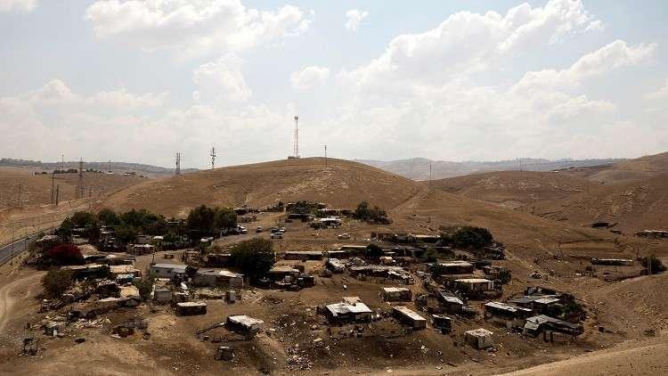 وزير بريطاني يناشد إسرائيل التريث في هدم قرية فلسطينية