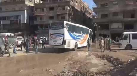 تواصل تنفيذ اتفاق مخيم اليرموك جنوب دمشق