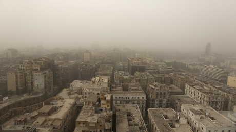 عاصفة ترابية تغطي القاهرة