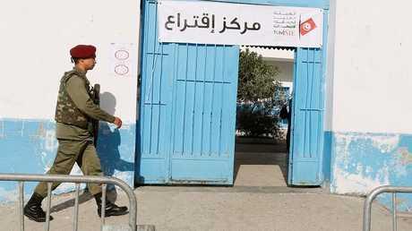 التونسيون يصوتون في أول انتخابات بلدية بعد ثورة 2011