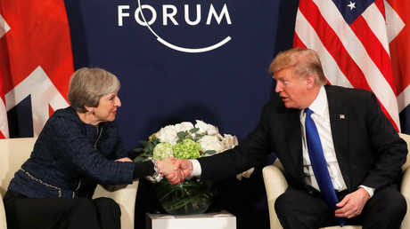 الرئيس الأمريكي دونالد ترامب ورئيسة الوزراء البريطانية تيريزا ماي، أرشيف