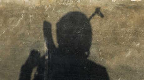 """أحد عناصر """"الجيش الحر"""" في الباب - صورة أرشيفية"""