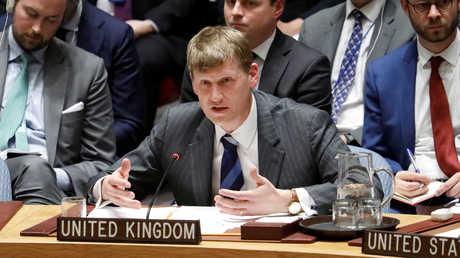 نائب مندوب بريطانيا الدائم لدى الأمم المتحدة، جوناثان آلين، خلال جلسة لمجلس الأمن الدولي