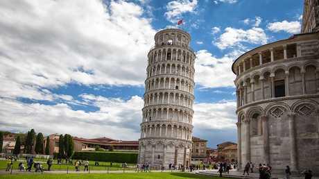 اكتشاف سر برج بيزا المائل!