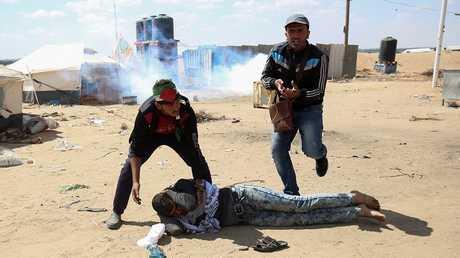 جرحى في مواجهات بين شبان فلسطينيين والجيش الإسرائيلي قرب غزة