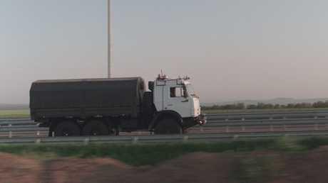 نائب وزير النقل الروسي يشارك في اختبار شاحنة كاماز ذاتية القيادة