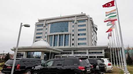 """فندق """"ريكسوس"""" بعاصمة كازاخستان، موقع انعقاد مفاوضات أستاتا (أرشيف)"""