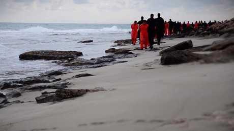 ليبيا تعيد اليوم رفات الأقباط  المصريين