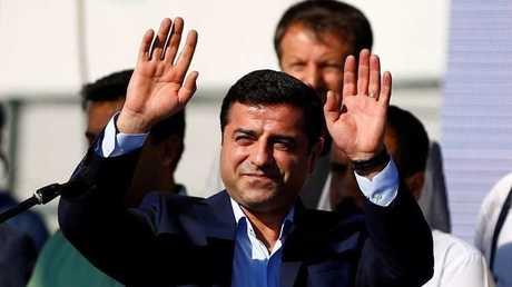 زعيم حزب الشعوب الديمقراطي التركي المعتقل صلاح الدين ديمرتاش