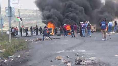 عشرات الجرحى في مواجهات بالضفة الغربية