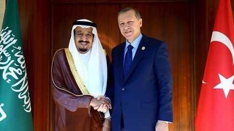 العاهل السعودي الملك سلمان بن عبد العزيز والرئيس التركي رجب طيب أردوغان - أرشيف