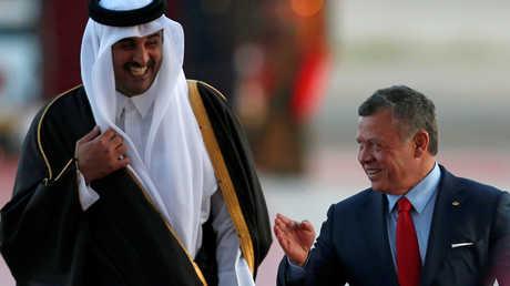 العاهل الأردني، الملك عبد الله الثاني، يستقبل في عمان أمير قطر، الشيخ تميم بن حمد آل ثاني (29 مارس 2017)