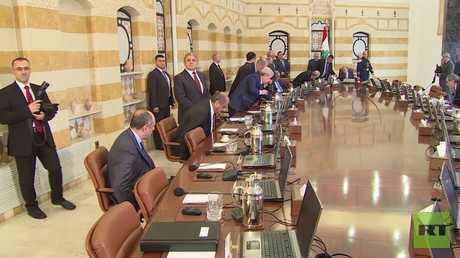 الحكومة اللبنانية تعقد اجتماعها الأخير