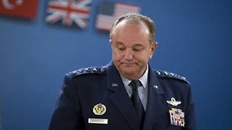 القائد السابق لحلف الناتو في أوروبا، الجنرال الأمريكي فيليب بريدلاف