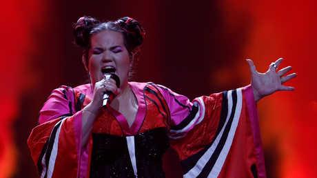 المطربة الإسرائيلية نيتاع برزلاي خلال منافسة Eurovision 2018