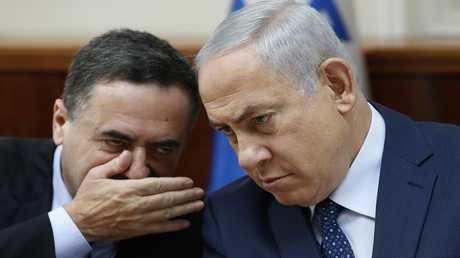 وزير الاستخبارات الإسرائيلي يسرائيل كاتس مع رئيس الوزراء بنيامين نتنياهو