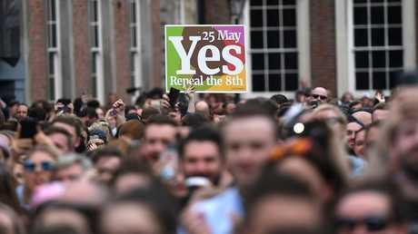 احتفالات الإيرلنديين بنتائج الاستفتاء