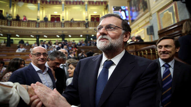البرلمان الإسباني يحجب الثقة عن رئيس الحكومة راخوي ويعين مكانه الاشتراكي سانشيز