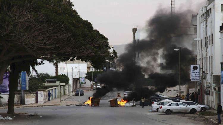 الجيش الليبي يعلن تدمير مخازن أسلحة وذخيرة في درنة