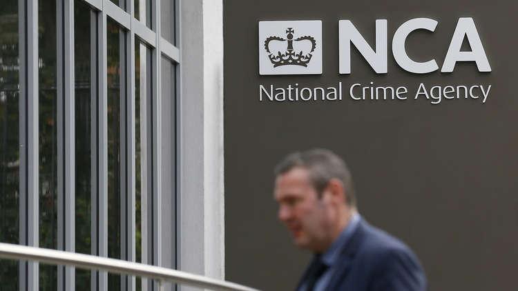 بريطانيا تهدد بتجميد حسابات رجال أعمال روس