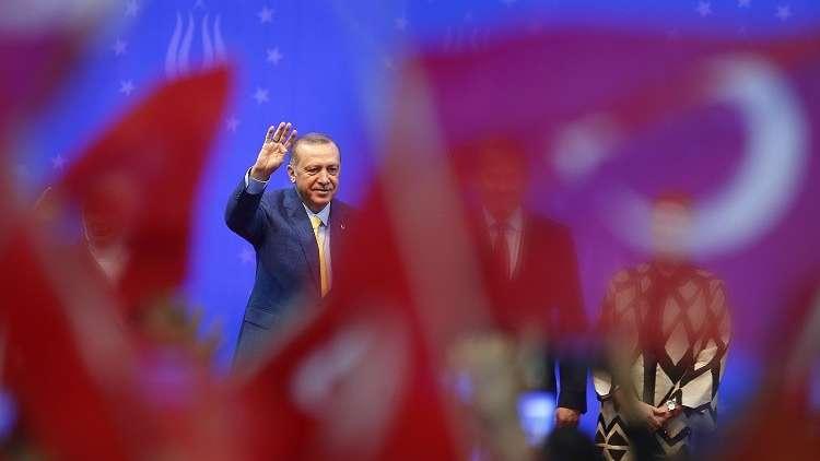 أردوغان يحذر من المساس بحقوق الأكراد