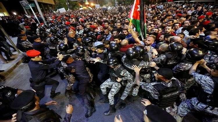 الأردن.. تجدد الاحتجاجات في عمان والمحافظات رفضا لقانون الضريبة وسياسات الحكومة