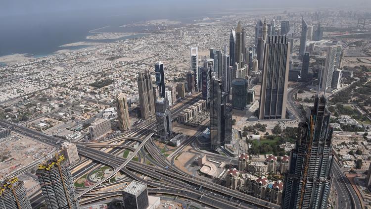 دبي.. الحرارة تقارب 50 درجة مئوية مع بداية الصيف