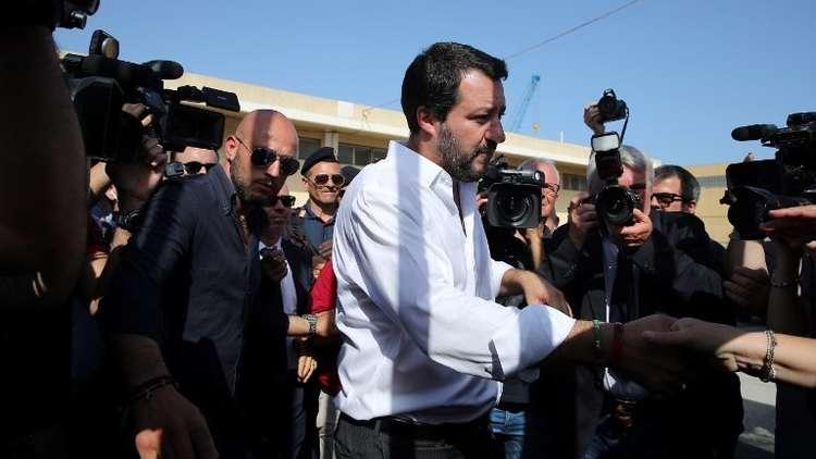 وزير الداخلية الإيطالي: لا يمكن لبلادنا أن تتحول إلى مخيم لاجئين