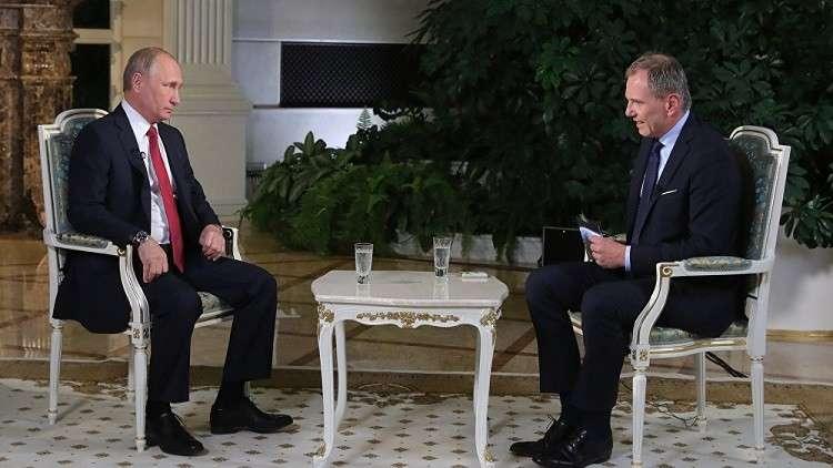 كيف ردّ بوتين على تشبيهه بالقيصر وظهوره عاري الصدر؟