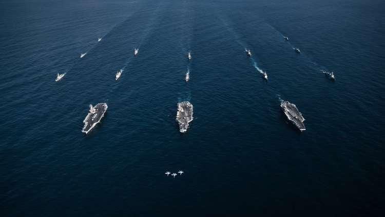 الولايات المتحدة  تفكر في إرسال سفن حربية تمر أمام