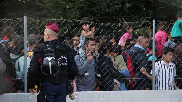 هنغاريا تهدد بعقوبة الحبس لمن يساعد المهاجرين غير الشرعيين
